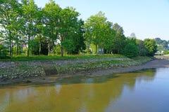 Bidasoa河的野鸡海岛在法国和西班牙之间 免版税图库摄影
