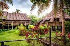 Bidayuh Longhouse en el pueblo cultural de Sarawak del pueblo del museo Imagen de archivo