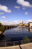 Bidge over Waterkant in Stockholm Zweden stock afbeeldingen