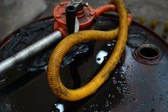 Bidon à pétrole sale Image libre de droits