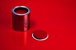 Bidon rouge de vernis Photo libre de droits