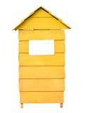 Bidone della spazzatura di legno giallo isolato su fondo bianco Immagine Stock Libera da Diritti