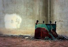 Bidone della spazzatura invertito Fotografia Stock