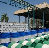 Bidons à pétrole colorés Image stock