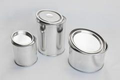 Bidons brillants en métal pour la peinture image stock