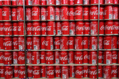 Bidons de coca-cola photo stock