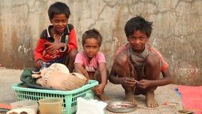 Bieda dzieciaki w India zdjęcie wideo