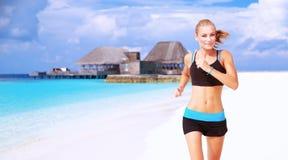 Biegać na plaży Fotografia Royalty Free