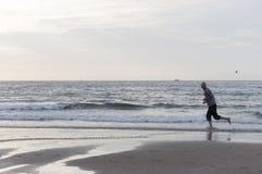 Biegać na plaży Zdjęcie Stock