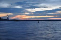 Biegać w schronienie z zaświecającą Scituate latarnią morską obraz stock