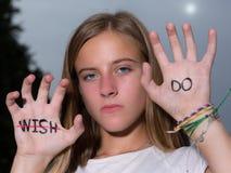 Biegacz Motywacyjna wycena Pisać na rękach, Don ` t życzenie! Zdjęcia Stock