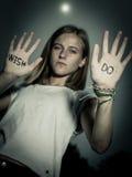 Biegacz Motywacyjna wycena Pisać na rękach, Don ` t życzenie! Zdjęcie Royalty Free