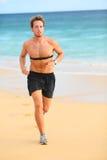 Biegacza mężczyzna bieg z tętno monitorem Zdjęcia Stock