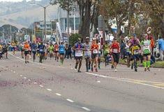 Biegacze Uczestniczy w kompanach Maratońskich w Południowa Afryka fotografia stock