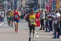 Biegacze Uczestniczy w kompanach Maratońskich w Południowa Afryka zdjęcie royalty free