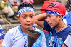 Biegacze z unlit pochodnią, dzień niepodległości, Antigua, Gwatemala Fotografia Royalty Free