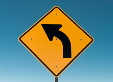 Biegen Zeichen nach links ab Lizenzfreies Stockfoto
