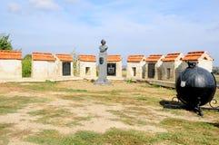 Bieger, Transnistrien Baron Munchausen, Kanonenkugel, Monument Stockfotos