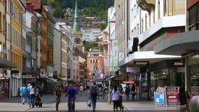 BIEL/BIENNE - ΕΛΒΕΤΙΑ, ΤΟΝ ΑΎΓΟΥΣΤΟ ΤΟΥ 2015: στο κέντρο της πόλης ελβετική άποψη οδών απόθεμα βίντεο