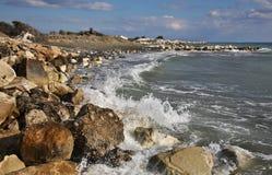Biel kamienie blisko Limassol Cypr obrazy stock