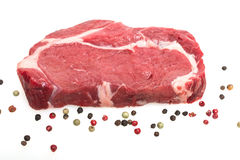 Biel odizolowywający surowy ziobro oka wołowiny stek Fotografia Stock
