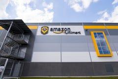BIELANY, POLÔNIA - 4 DE MAIO DE 2016: O armazém recentemente aberto do re Imagens de Stock