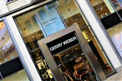 01/06/2017 - Bielefeld/Tyskland - en begreppsbild av en Gerry Weber Logo Arkivfoton