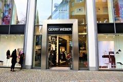 01/06/2017 - Bielefeld/Tyskland - en begreppsbild av en Gerry Weber Logo Arkivfoto