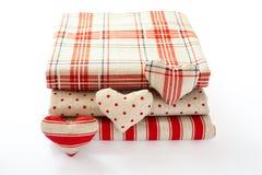 Bieliźniana tkanina z czerwonymi polek kropkami, szkocka krata i Zdjęcia Stock
