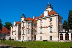 Bielinski slott i Otwock Wielki, Polen Royaltyfri Fotografi