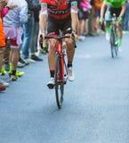 BIELLA, ITALIË - MEI 20, 2017: De fietsers nemen aan 14de s deel Stock Fotografie