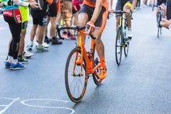 BIELLA, ITALIË - MEI 20, 2017: De fietsers nemen aan 14de s deel Stock Afbeeldingen