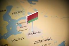 Bielorrússia identificou por meio de uma bandeira no mapa imagem de stock royalty free