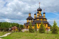 Bielorrusia, Dudutki Iglesia del profeta santo San Juan Bautista imagenes de archivo
