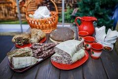 Bielorrusso tradicional e culinária ucraniana Imagem de Stock Royalty Free