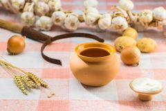 Bielorrusso tradicional e culinária ucraniana Ainda vida com cl Foto de Stock