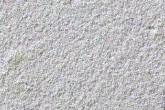Bielu ścienny tło z kolorowymi punktami. zdjęcie stock
