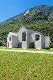 Bielu domowy widok od łąki Obraz Royalty Free