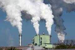 Bielu dym od fabryki Obraz Royalty Free