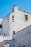 Bielu gospodarstwa rolnego dom w Apulia, Włochy zdjęcia royalty free