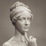 Bielu marmuru głowa młoda kobieta Zdjęcia Royalty Free