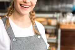 Bielu promień lokalizuje w kawiarni kobieta Zdjęcia Royalty Free