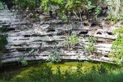 Bien de la mort dans Chichen Itza Cenote Mexique Images stock
