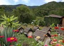 Bienenhaus in den Bergen Lizenzfreies Stockbild