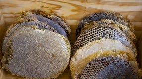 Bienenhonig und natürliches Wachs lizenzfreies stockfoto