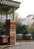Bienenstöcke in der Stadt Lizenzfreie Stockbilder