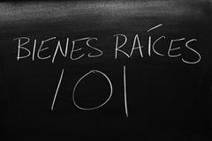 Bienes raÃces 101 Na Blackboard Przekład: Real Estate 101 Obraz Stock