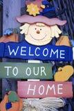 Bienvenue à notre signe à la maison. Photo stock