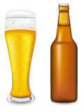 Bier in der Glas- und Flaschenvektorabbildung Stockfoto
