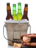 Bier-Eimer und Baseball Stockfoto